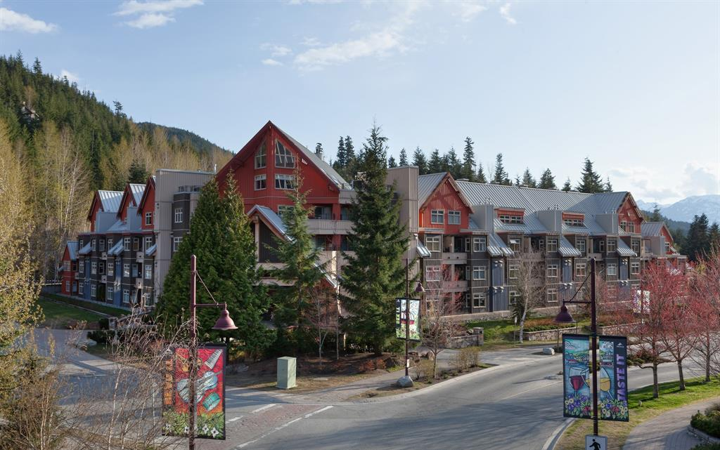 324 2050 LAKE PLACID RD - Whistler Village Apartment/Condo for sale, 1.5 Bedrooms (V993179) #1