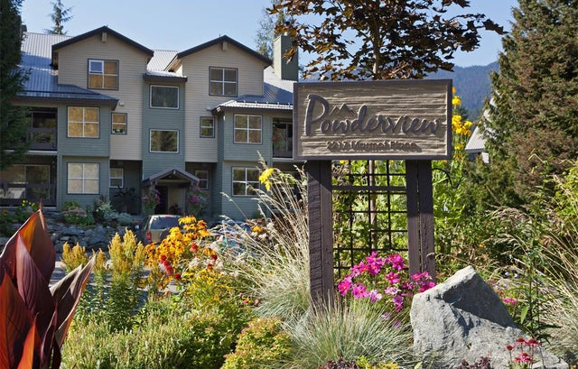 33-2217 Marmot Place - Whistler Creek Apartment/Condo for sale, 1.5 Bedrooms (R2217339) #1